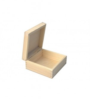 16x16x9cm box with lid on...