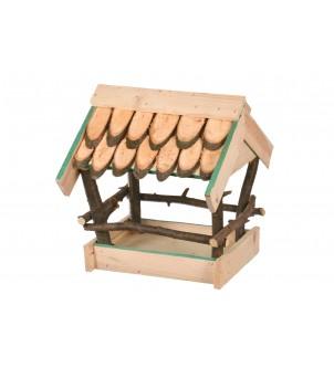 Karmnik drewniany