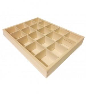 Drewniana skrzynka z 20 przegrodami