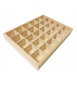 Drewniana skrzynka z 30 przegrodami