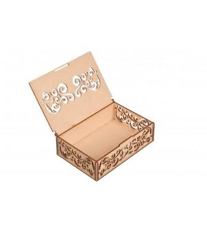 Drewiane pudełko ażurowe na prezent