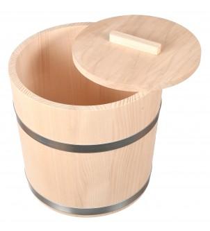 Drewniana beczka do kiszenia kapusty i ogórków