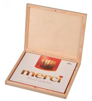 Drewniane pudełko na czekoladki prezent