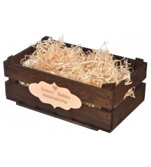 Brązowa drewniana skrzynka...