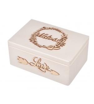 Białe pudełko drewniane z dekorami ślub wesele